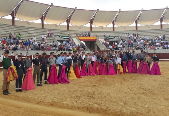 Los alumnos de Badajoz en el inicio de curso celebrado en Don Benito
