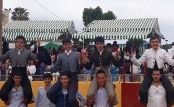 Los cuatro novilleros a hombros en La Bazana